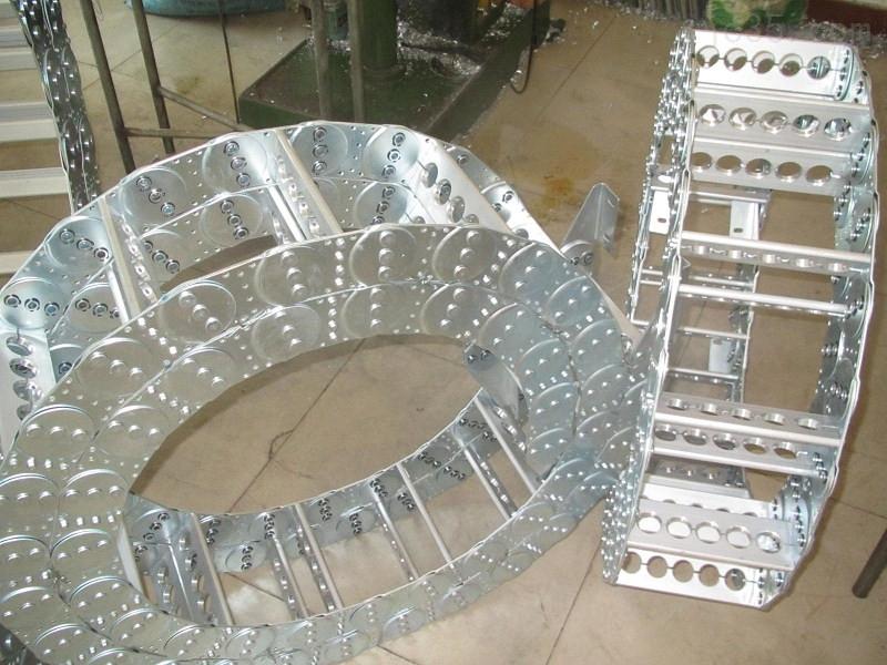 TL型低噪音机床钢制拖链