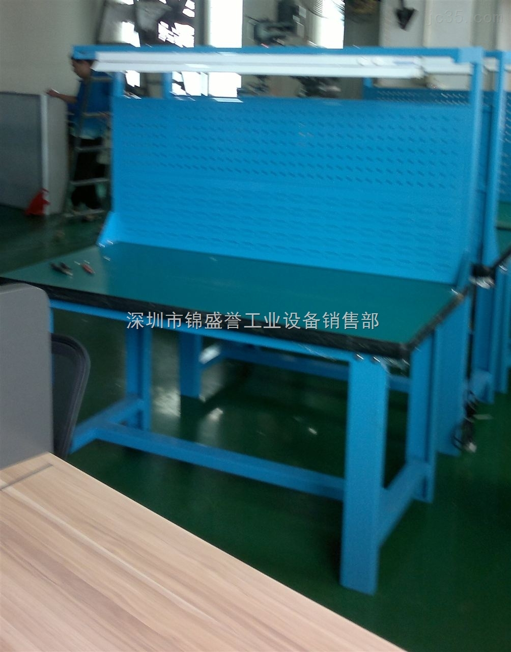 工作台。深圳专业工厂工作台定制商【复合板,不锈钢,钢板,铸铁,榉木】