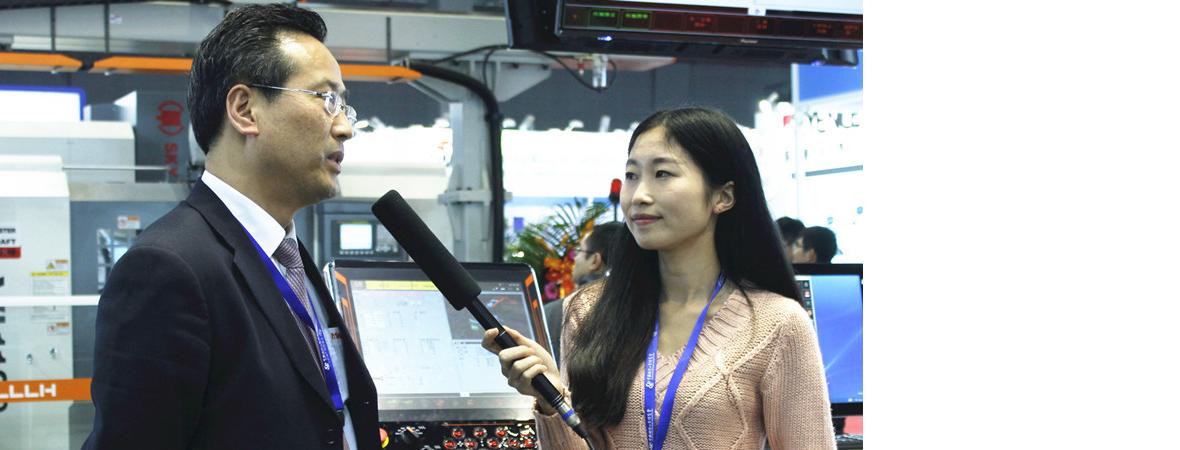 188bet商务网于2015上海工博会采访山崎马扎克