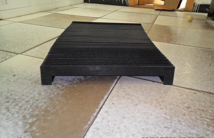 折叠式伸缩风琴防护罩产品图