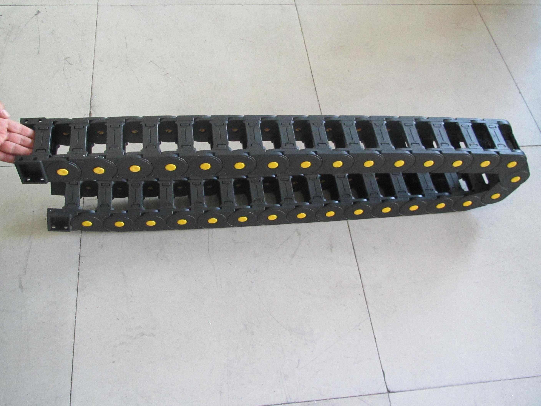 耐摩擦穿线工程塑料拖链产品图